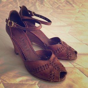 Vintage 9 West Sandals